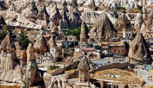 «Сказочные дымоходы» в Турции